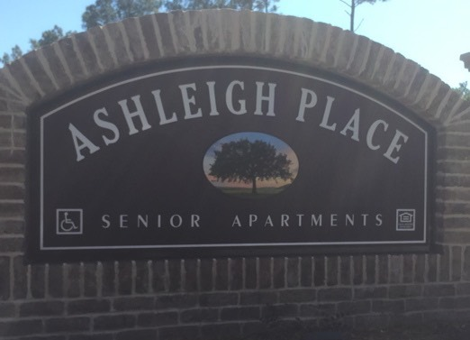 ashleigh-place-sign